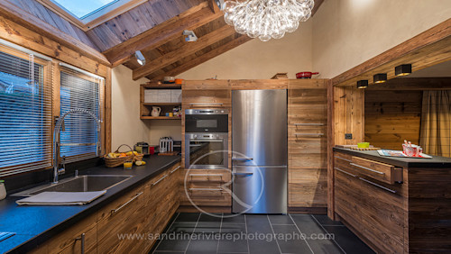 Inject warmth into your home with reclaimed wood wall