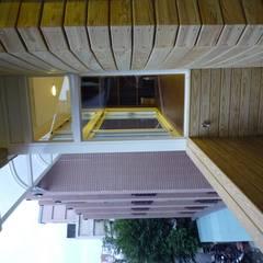 台北市遼寧街老公寓住宅改造案:  露臺 by Hi+Design/Interior.Architecture. 寰邑空間設計
