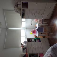 DORMITORIO INFANTIL: Dormitorios infantiles de estilo moderno por INTEGRA ESTUDIO