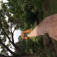 CASA DE CAMPO, H. ZITACUARO, MICHOACAN: Pasillos y recibidores de estilo  por ECLIPSE ARQUITECTOS SA de cv, Mediterráneo