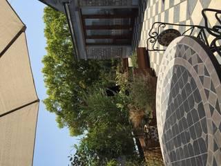 株式会社ムサ・ジャパン ヴェルデ Classic style balcony, veranda & terrace Solid Wood Wood effect
