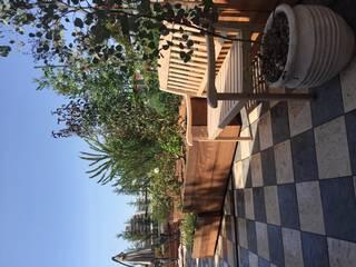 株式会社ムサ・ジャパン ヴェルデ Eclectic style balcony, veranda & terrace Solid Wood Wood effect