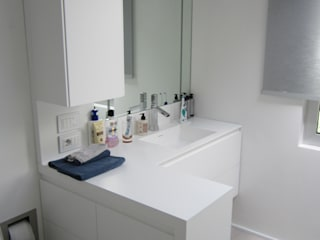Casas de banho  por CARLO CHIAPPANI  interior designer, Minimalista
