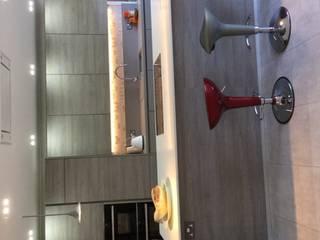 Mr & Mrs Shamsa:  Kitchen by Diane Berry Kitchens