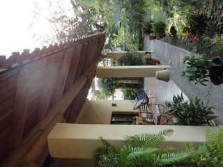 CASA COMALA Balcones y terrazas rurales de ARQUITECTOS BARRERA OSORIO Rural
