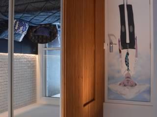 Couloir, entrée, escaliers modernes par Studio Elã Moderne