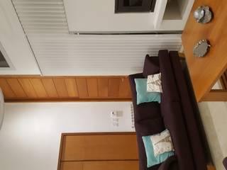 Salas de estar modernas por MONARQ ESTUDIO Moderno
