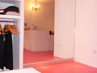 Pilar Pardal March Modern offices & stores Glass Pink