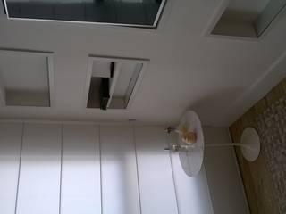 Moderne Wohnzimmer von Ana Laura Wolcov - ARTE WOLCOV Modern