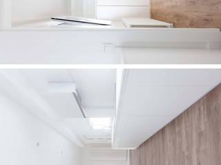 Vivienda en Paseo de la Florida, Madrid Cocinas de estilo moderno de Interioristas Dimeic, diseñadores y decoradores en Madrid Moderno