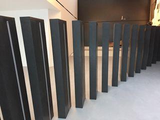 Treppenstufen beidseitig mit Microbeton beschichtet Farbpunkt Sobert & Ierardi GbR Moderne Wohnzimmer Beton Grau