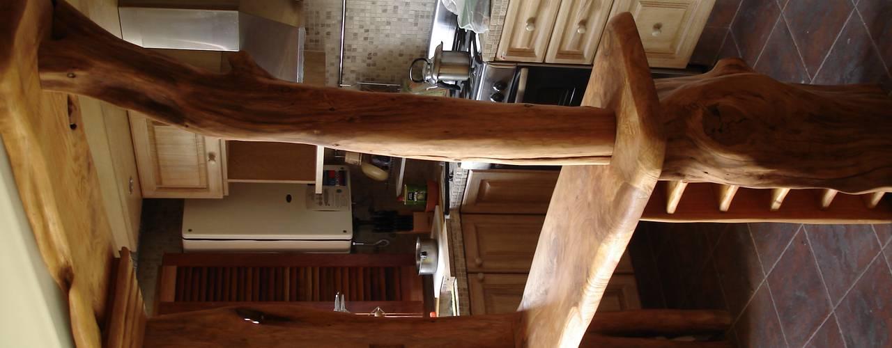 barra rustica: Cocinas de estilo  por Enrique Ramirez Muebles artesanales