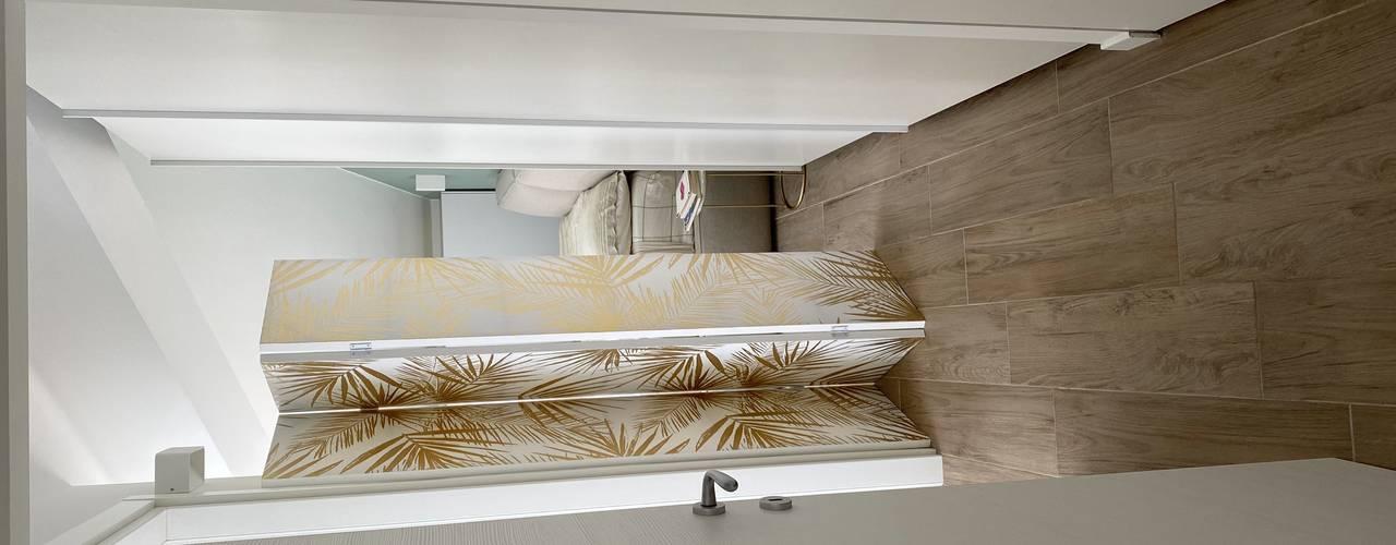L'angolo letterario Yome - your tailored home Ingresso, Corridoio & Scale in stile moderno