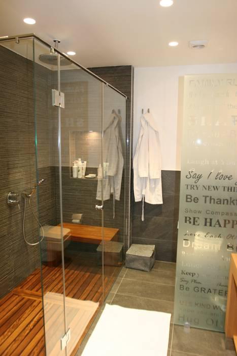 bathroom:  Bathroom by Esra Kazmirci Mimarlik, Modern