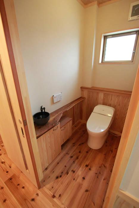 Ванные комнаты в . Автор – 鈴木住建, Эклектичный