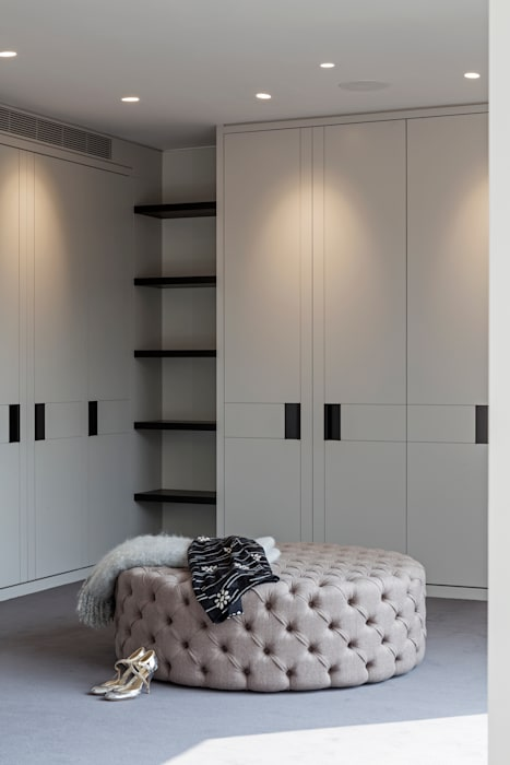 Dressing room Ruang Ganti Modern Oleh Studio Mark Ruthven Modern