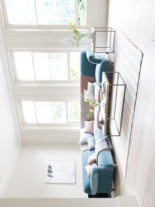 Soufflé modular corner sofa: modern Living room by Loaf