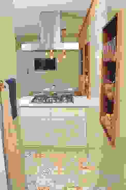 Mediterranean style kitchen by Fernanda Moreira - DESIGN DE INTERIORES Mediterranean