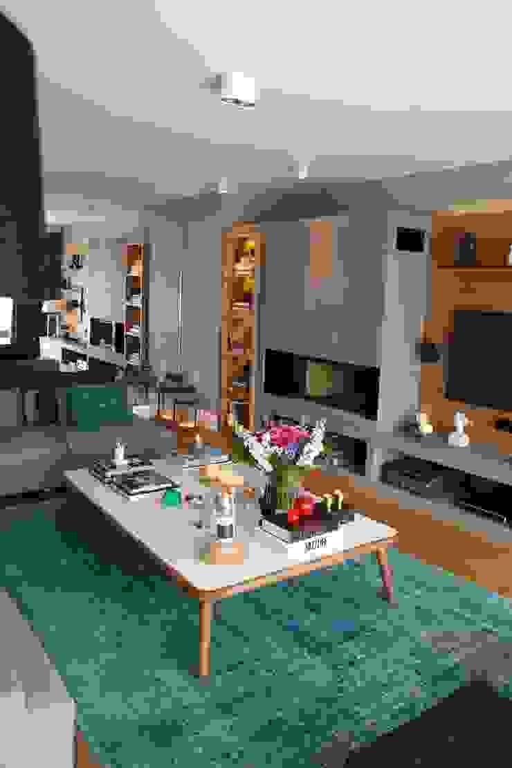 living room Esra Kazmirci Mimarlik Modern living room Blue