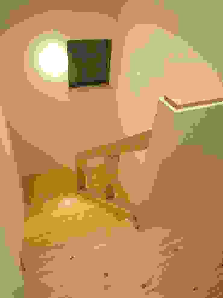階段室 和風の 玄関&廊下&階段 の 石井設計事務所/Ishii Design Office 和風 木 木目調