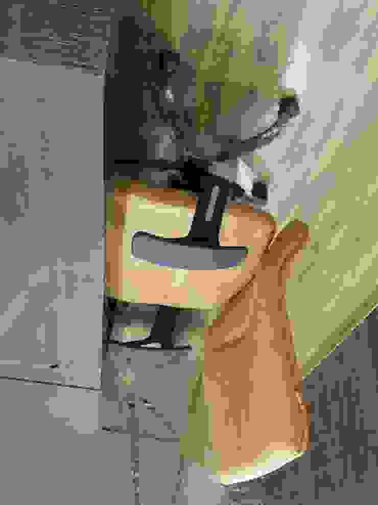 White Bricks Office Modern study/office by Studio Interiors Infra Height Pvt Ltd Modern