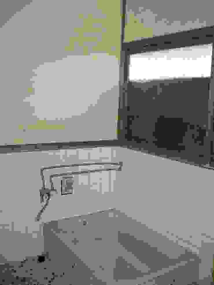 ビフォー(浴室) の 宮田建築設計室