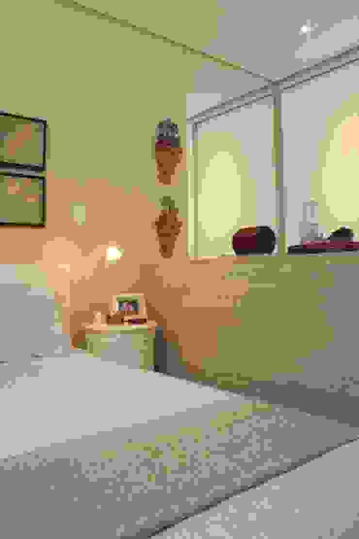 Habitaciones de estilo mediterráneo de Fernanda Moreira - DESIGN DE INTERIORES Mediterráneo