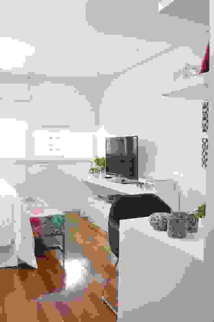 Fernanda Moreira - DESIGN DE INTERIORES BedroomAccessories & decoration Textile Blue