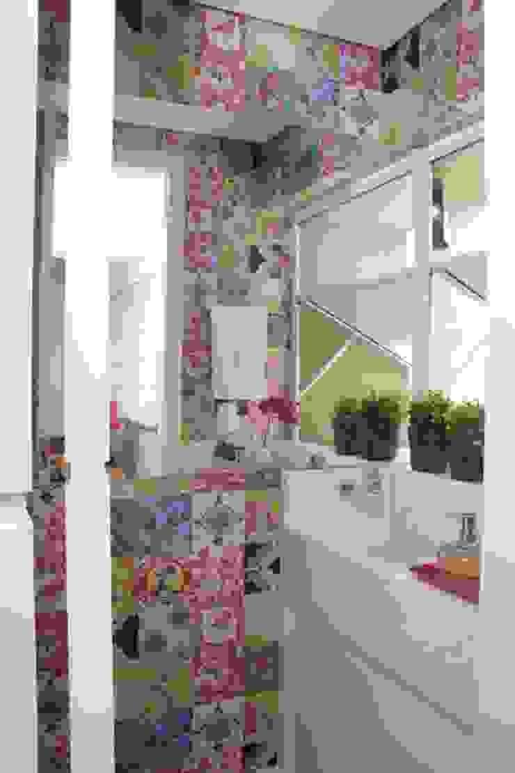 Fernanda Moreira - DESIGN DE INTERIORES BathroomSinks Marble White