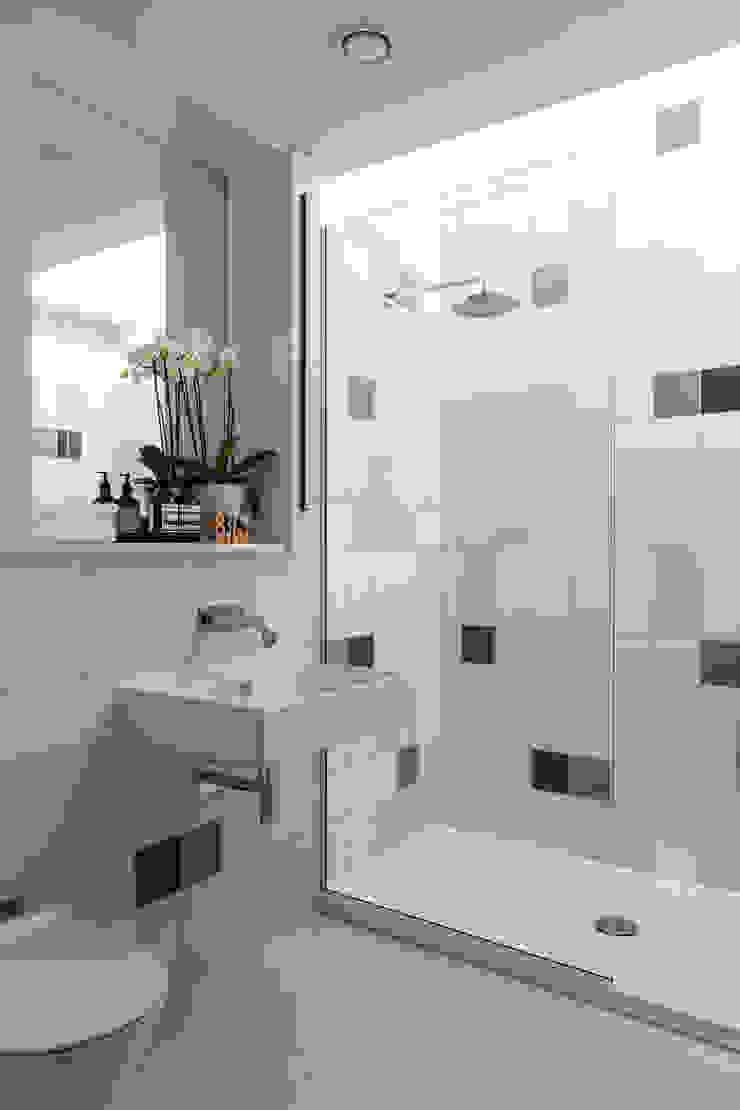 Bathroom โดย Studio Mark Ruthven โมเดิร์น