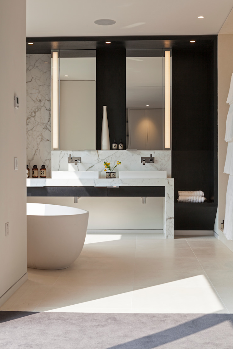 Master bathroom โดย Studio Mark Ruthven โมเดิร์น