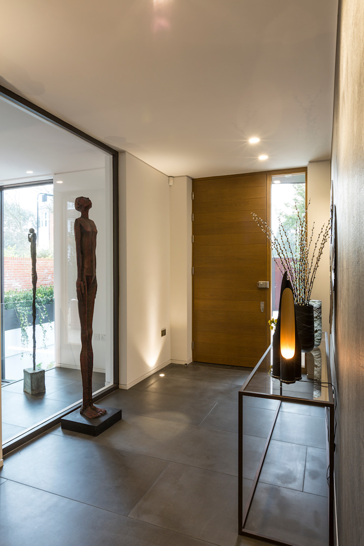 Entry hall ห้องโถงทางเดินและบันไดสมัยใหม่ โดย Studio Mark Ruthven โมเดิร์น
