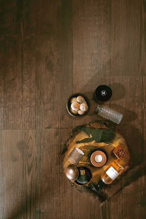Paredes y pisos de estilo rústico por Azulev