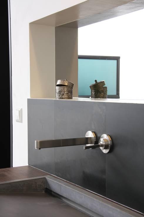 wohnen mit sichtbeton im passivhaus von traumraum beton design by nonnast homify. Black Bedroom Furniture Sets. Home Design Ideas