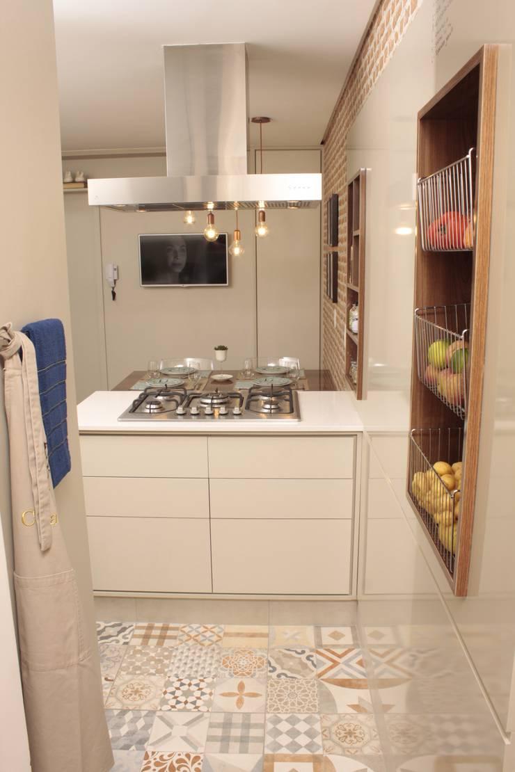 Kitchen by Fernanda Moreira - DESIGN DE INTERIORES