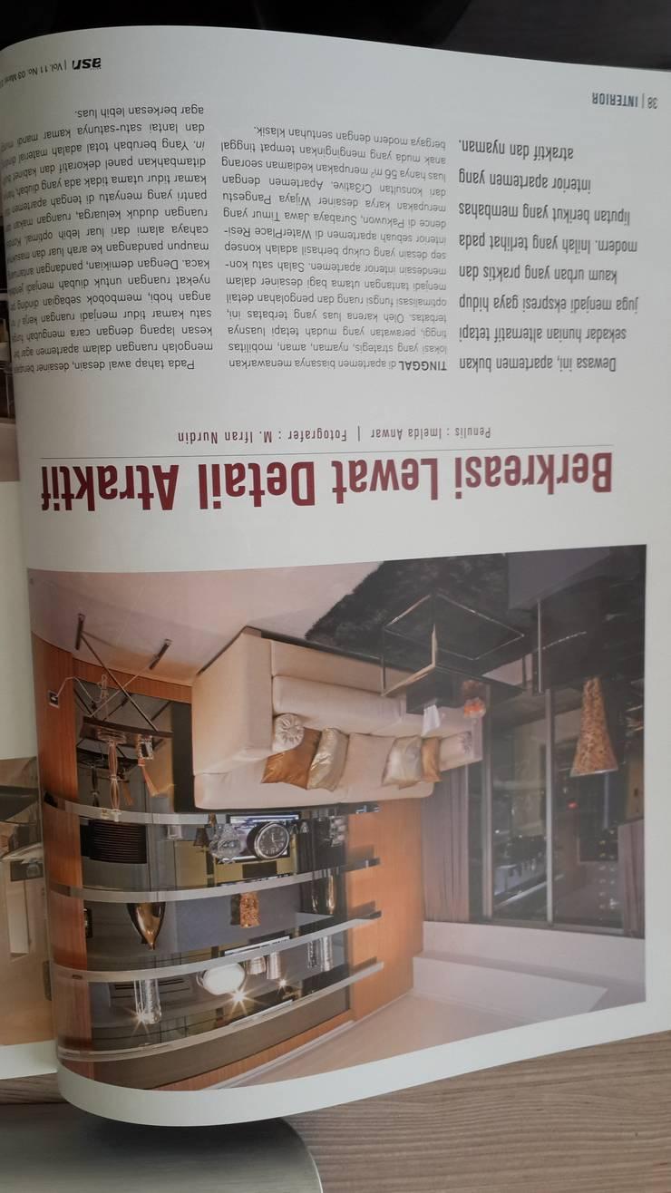 Livingroom area:  Ruang Keluarga by Kottagaris interior design consultant
