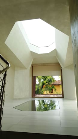 modern Corridor, hallway & stairs by Studio Ph09 (progress house)