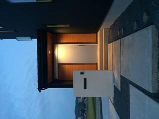 玄関: TIEN natural comfort design roomが手掛けたです。