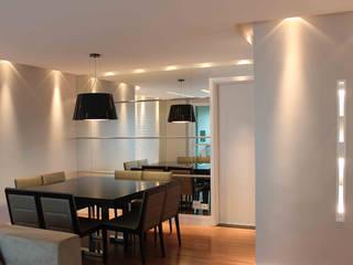 APARTAMENTO | CURITIBA | PARANÁ Salas de jantar modernas por Graf Arquitetura & Interiores Moderno