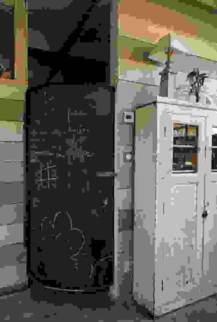 Porte avec peinture tableau noir par Frédéric TABARY Éclectique Bois Effet bois