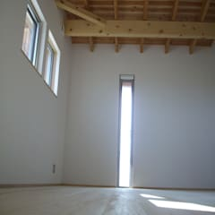 安曇野に薫る和(輪)の家: 設計室a‐rayが手掛けた子供部屋です。