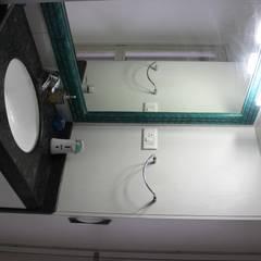RESIDENTIAL 3BHK -LOCATION : PUNE:  Bathroom by YAAMA intart