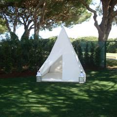Moradia no Algarve Jardins ecléticos por ARQ1to1 - Arquitectura, Interiores e Decoração Eclético