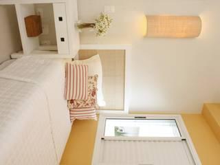 Modern style bedroom by LX Arquitetura Modern