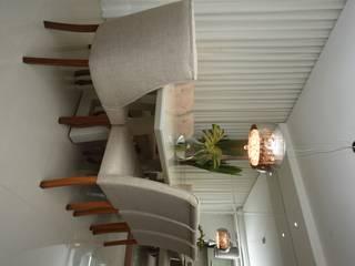 Salas / recibidores de estilo  por Jorge Machado arquitetura, Moderno