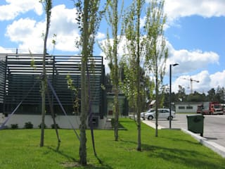 Escritórios da empresa Intertelha: Escritórios e Espaços de trabalho  por JOÂO MIGUEL PINHEIRO - Arquitectos Associados,Industrial