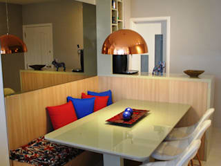 Sala de Jantar com banco: Salas de jantar  por Onix Designers