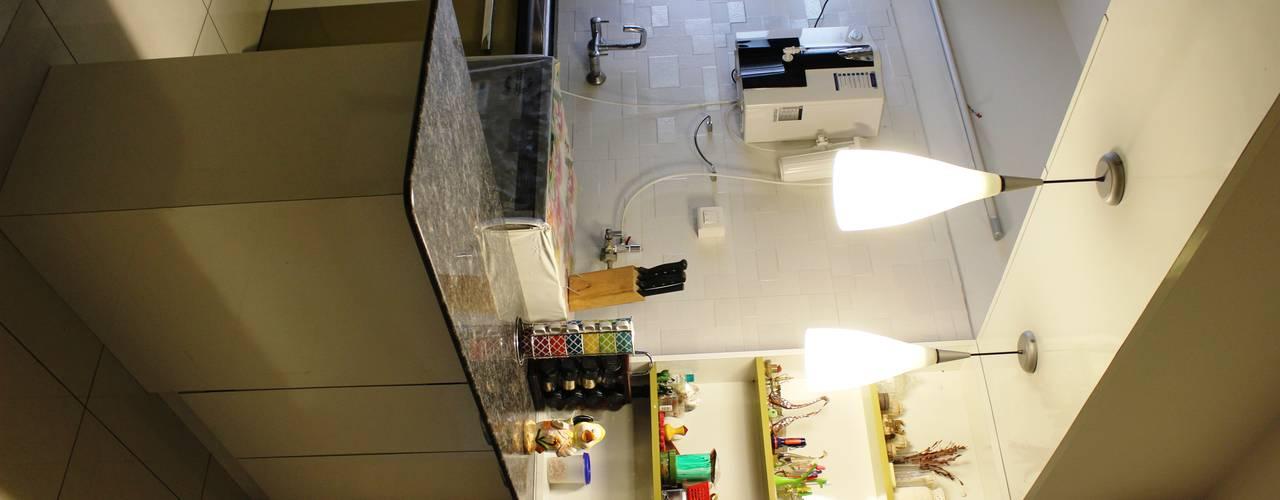 RESIDENTIAL 3BHK -LOCATION : PUNE YAAMA intart Modern kitchen