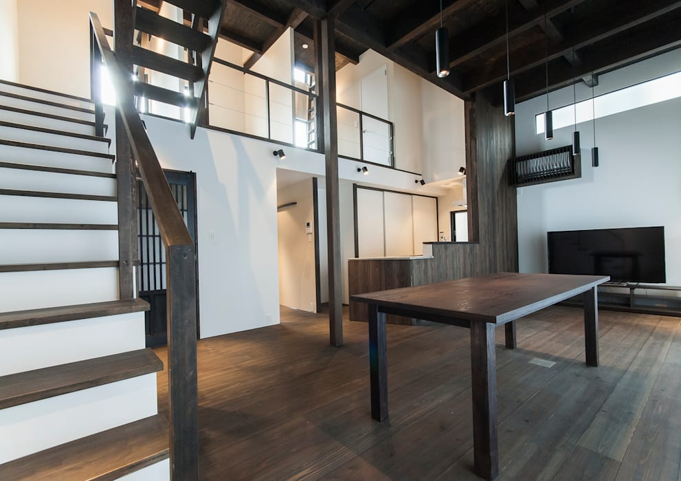 Ruang Keluarga oleh 森村厚建築設計事務所, Asia Kayu Wood effect