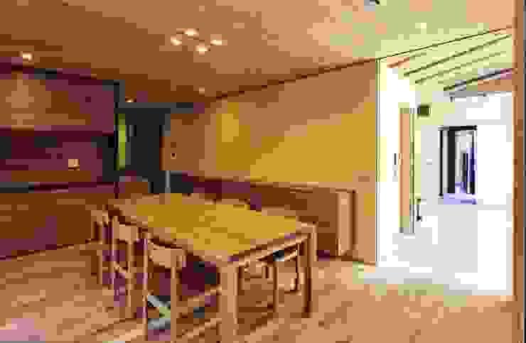 高殿の家 モダンデザインの ダイニング の 一級建築士事務所 有限会社NEOGEO(ネオジオ) モダン